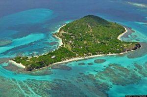 Islote de san vicente llena de arboles y playas preciosas situada en el caribe y que aparece en la pelicula Piratas del Caribe