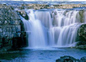 Cascadas Kootenai Falls situadas en Montana en Estados Unidos que aparecen en la pelicula el renacido